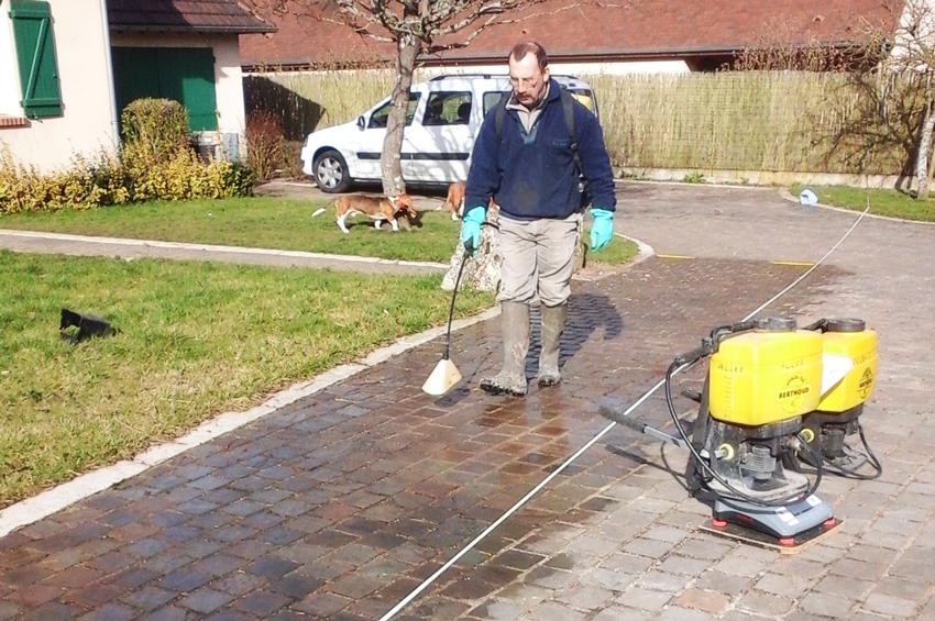 05 travaux de jardinage trait phyto henri paysage for Petit travaux de jardinage